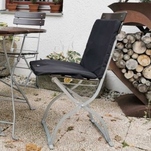 Beheizbares Polster für Sitzen im Garten