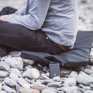 Beheizbares Polster für Sitzen am Fluss oder See
