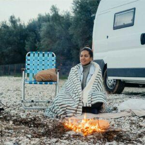 Kuscheldecke für Camping, Vanlife, Roadtrip und Lagerfeuer