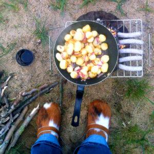 Holzclogs passen perfekt zum Camping