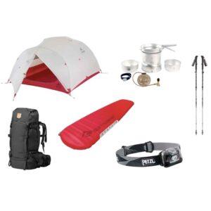 Trekking Equipment mit Zelt,, Isomatte, Stöcken und Stirnlampe